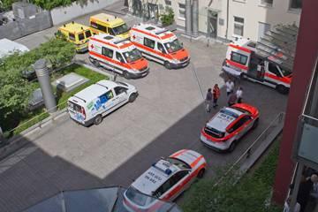 Krankenwagen im Hof