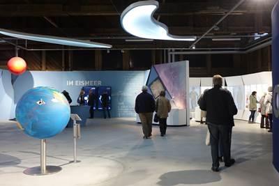 Ozeane Ausstellung