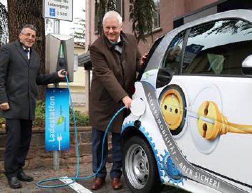 Stadtwerke Weinheim eröffnen drei weitere Ladesäulen für E-Autos