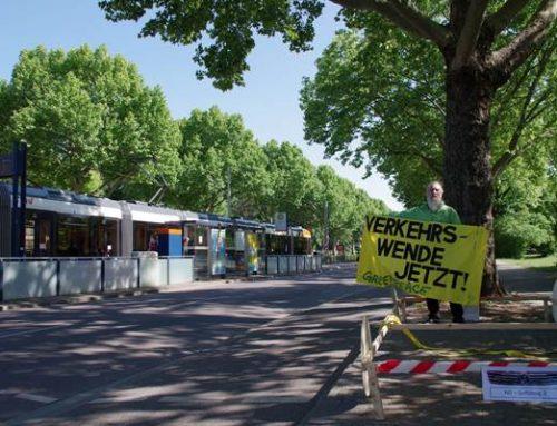 Heidelberg: Aktions-Bündnis übergibt über 2.100 Unterschriften für Verkehrswende